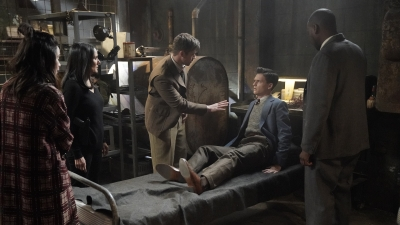 Timeless 02x05 : The Kennedy Curse- Seriesaddict